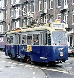 Oude Amsterdamse trams in de verkoop