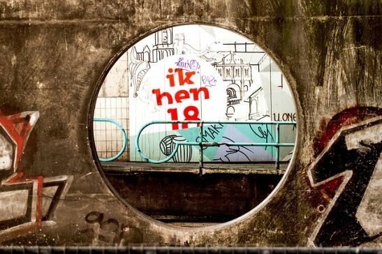 graffiti-1691942_640